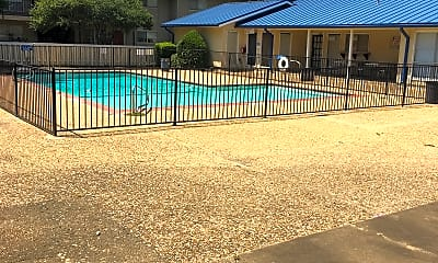 Centerville Crossing Apartments, 2