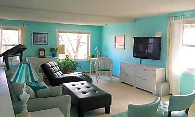 Living Room, 2432 11th Av S, 1