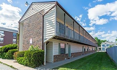 Building, 1147 E Elm St, 0