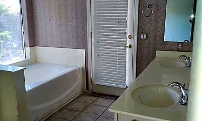 Bathroom, 5639 W Tonopah Dr, 2
