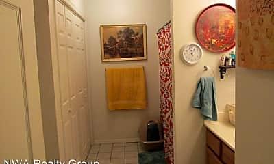Bathroom, 701 E Glendale Ln, 2
