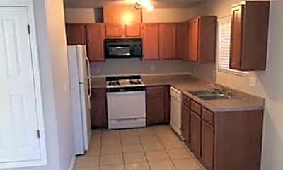Kitchen, Cedar Oak Townhomes, 1