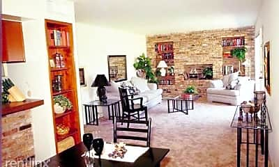 Dining Room, 2213 Fountain View Dr, 0