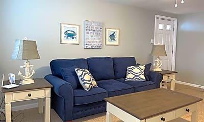 Living Room, 111 10th St N, 1
