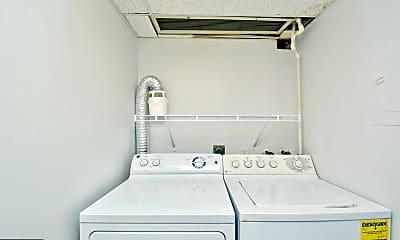 Bathroom, 134 Roberts Ln 300, 2