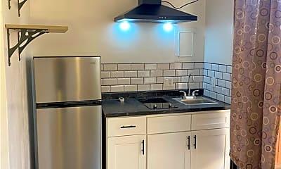 Kitchen, 22303 Wyandotte St, 1
