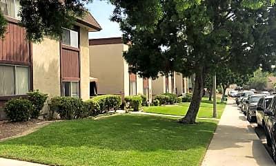 Robinwood Plaza, 2