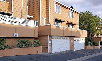 Building, 640 W Lambert Rd 38, 0