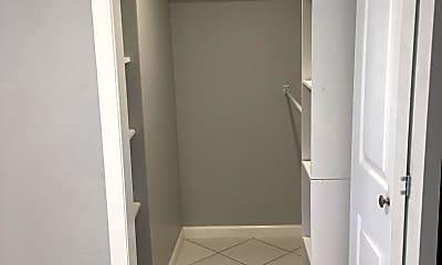 Bathroom, 132 Paoli Pike B, 2