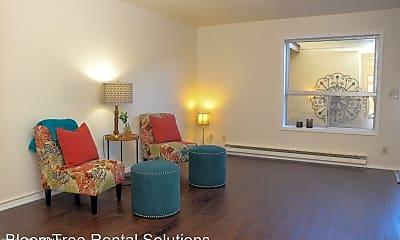 Living Room, 1609 Canada Crescent, 1