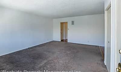 Living Room, 963 S Barrington Ave, 1
