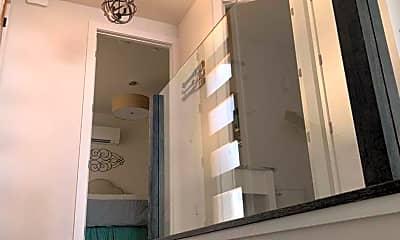 Bathroom, 804 7th Ave W, 2