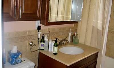 Bathroom, 53 Hobart St, 2
