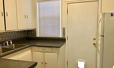 Kitchen, 622 Deerwood St, 2