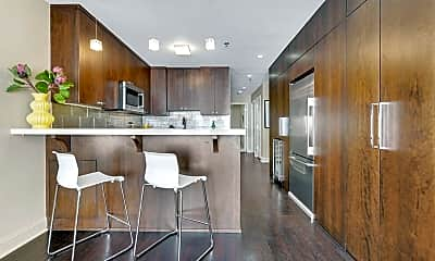 Living Room, 402 Adams St, 1