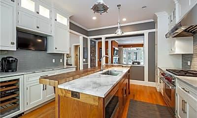 Kitchen, 32 Parkway Dr, 1