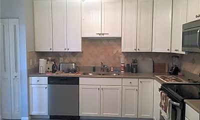 Kitchen, 3215 S Lakeview Cir 12102, 1