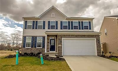 Single Family Home-12182 Edgehill Oval  Strongsville, OH 44149, 0