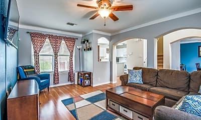 Living Room, 8526 Cherokee Rdg, 1