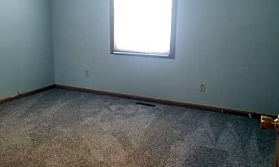 Bedroom, 2213 Roselawn Ave, 2