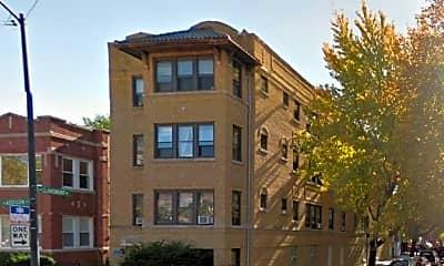 Building, 2325 W Addison St, 0