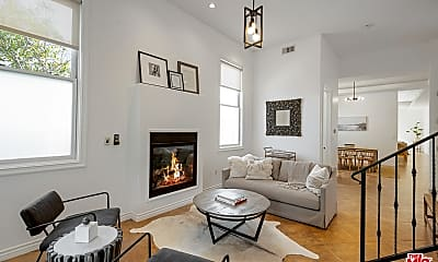 Living Room, 715 N Kilkea Dr 1/2, 0