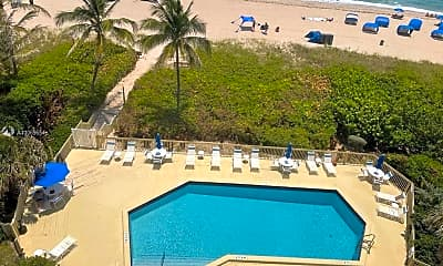 Pool, 1500 N Ocean Blvd 605, 0