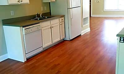 Kitchen, Woodlands of Knoxville, 2
