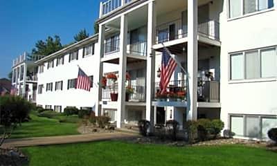 Williamsburg Apartments, 0