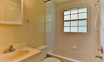 Bathroom, 612 Hillsborough, 2