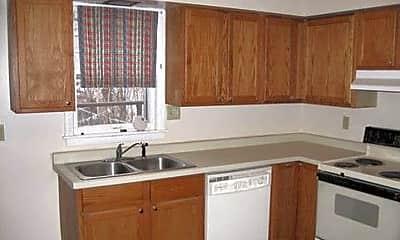 Kitchen, 1477 Hamline Ave N, 1