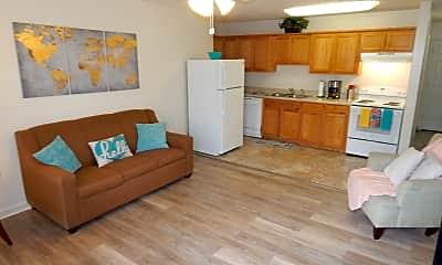 Kitchen, College Pointe - per bed lease, 0