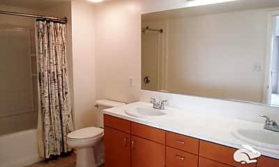 Bathroom, 550 15th St, 2