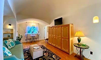 Living Room, 2000 N Highland Ave 18, 1