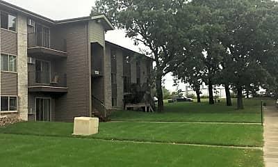 Green Gable Apartments, 2