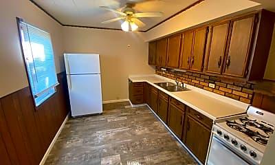 Kitchen, 911 Macarthur Dr, 0