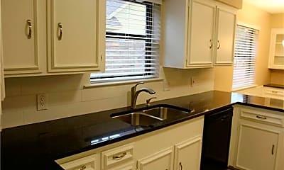 Kitchen, 2631 W Prairie Creek Dr, 1