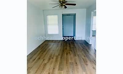 Building, 6025 Lovett Ave, 1