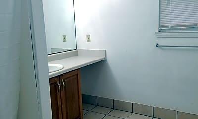 Bathroom, 355 10th St NW, 2