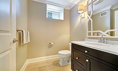 Bathroom, 401 Monmouth Ave SUMMER, 2