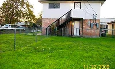 Building, 607 N Elm St, 2
