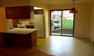 Living Room, 200 Erie St, 2