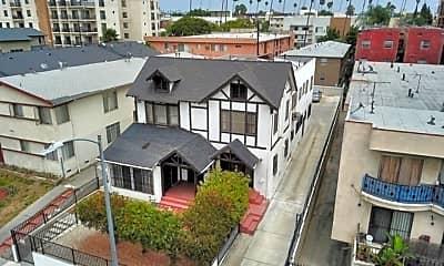 Building, 336 S Wilton Pl, 1
