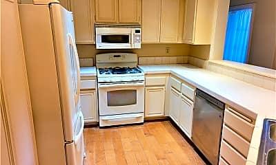 Kitchen, 20251 Sealpoint Lane 103, 1