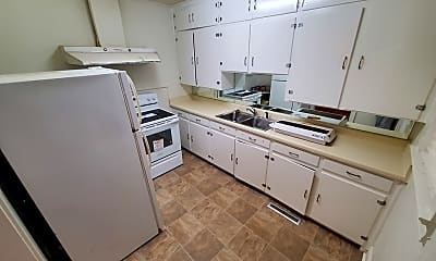 Kitchen, 206 N Iroquois Ave, 2