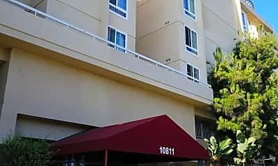Wilshire Villa Apartments, 1