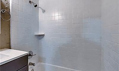 Bathroom, 3706 N Rockwell Ave, 2