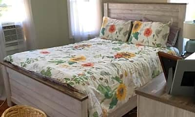Bedroom, 569 Cumberland St, 2