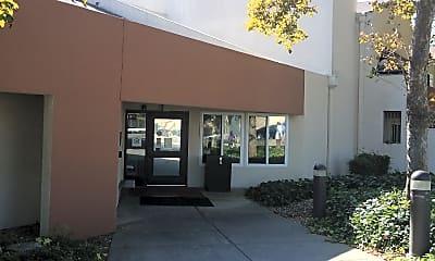 Parkway Plaza Senior, 0