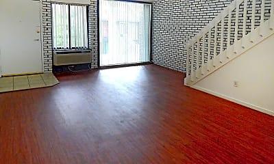 Living Room, Briarwood Hill Apartments, 2